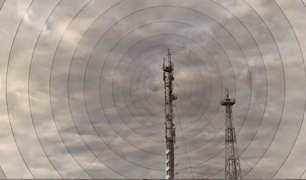 """""""Non alzate il limite dei 6 V/m"""": anche Belpoggi promuove l'appello di Legambiente"""